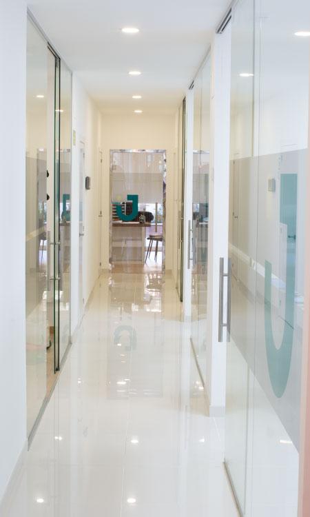Clínica dental Verín - Pasillo